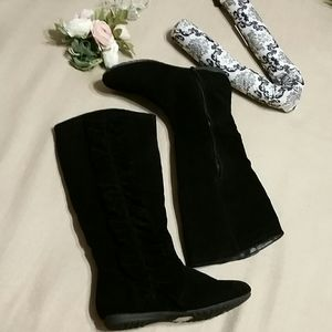 GUC light weight suede black boots